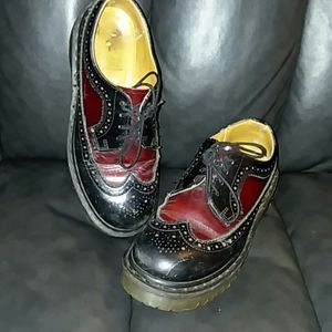 Dr. Marten black/oxblood UK5 wingtip MIE
